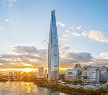 Najwyższy w Korei i piąty na świecie wśród drapaczy chmur - Lotte World Tower