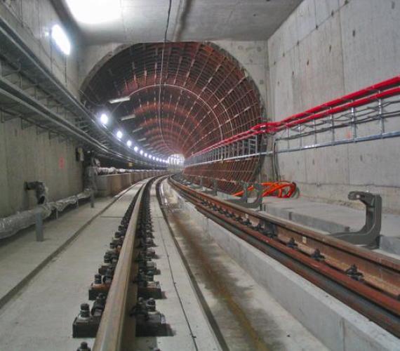 Fot. 1. Połączenie tunelu realizowanego metodą górniczą i odkrywkową w rejonie wentylatorni