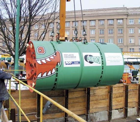 Rozwiązanie kolizji tuneli szlakowych metra z uzbrojeniem podziemnym