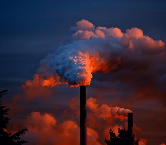 Światowi giganci paliwowi walczą z niską emisją