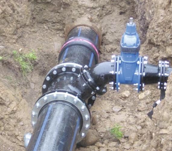 Renowacja magistrali wodociągowej wzdłuż ul. Szaflarskiej w Nowym Targu metodą rury ciasnopasowanej