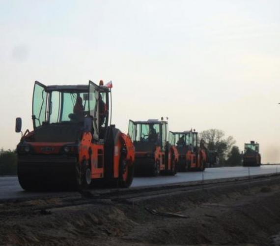 Budowa autostrady A2 - odcinek C. Fot. .a2strykow-konotopa.pl