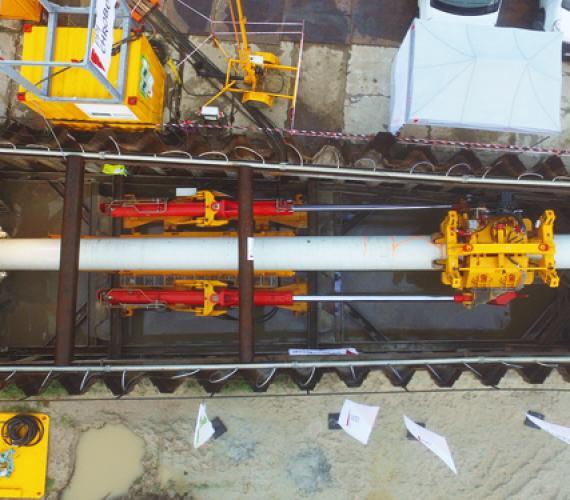 FOT. 1. Komora startowa na przekroczeniu Direct Pipe nr 1 z zamontowanym Pipe Thrusterem