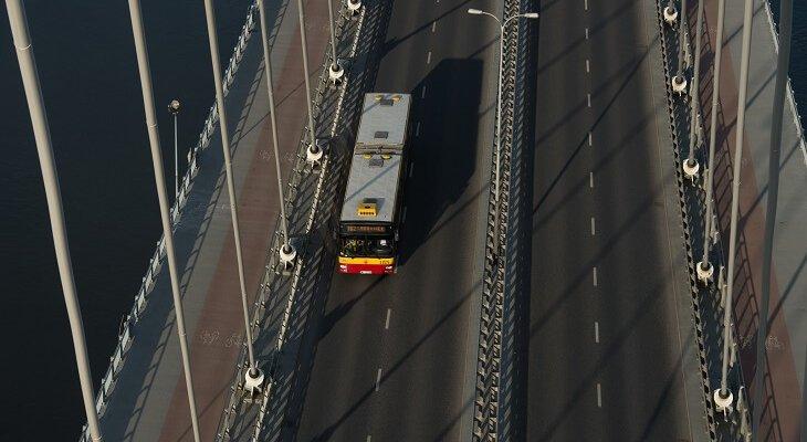 Coraz więcej samochodów na mostach w Warszawie. Fot. ZDM