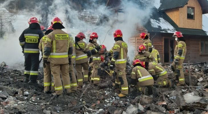 Strażacy na miejscu katastrofy. Fot. Śląski Urząd Wojewódzki