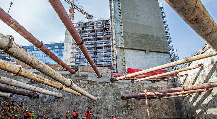 FOT. 1. | Realizacja podziemia budynku mieszkalnego u zbiegu ulic Okopowej oraz Kolskiej w Warszawie (fot. z archiwum Soletanche Polska)