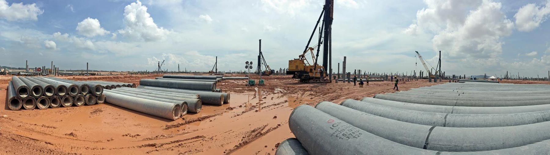 FOT. 1. Instalacja pali typu Spun Piles – projekt Rapid, Malezja