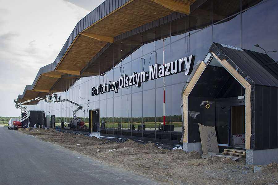Zdjęcia z rozbudowy lotniska w Szymanach