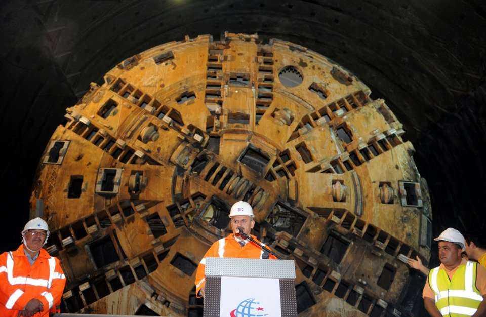 Z Europy do Azji tunelem kolejowym pod Bosforem