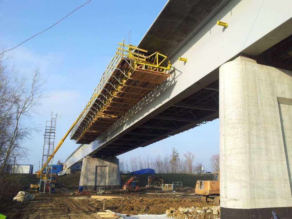 Budowa mostu w Połańcu (grudzień 2013 r.)