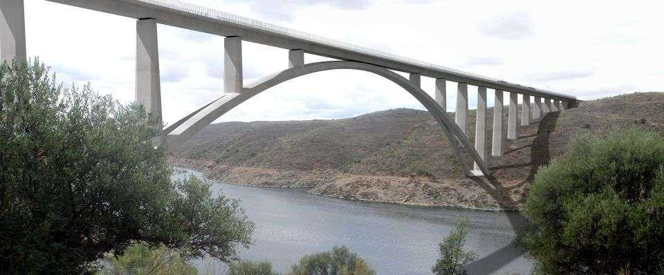 Budowa przeprawy nad rzeką Almonte