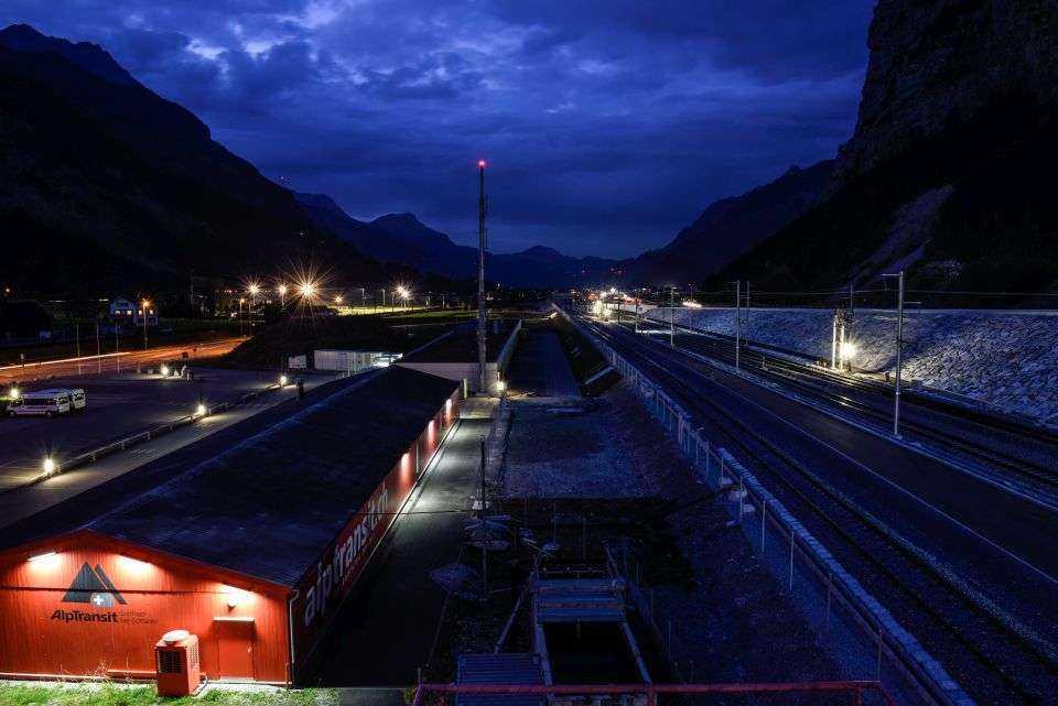 Budowa najdłuższego tunelu świata