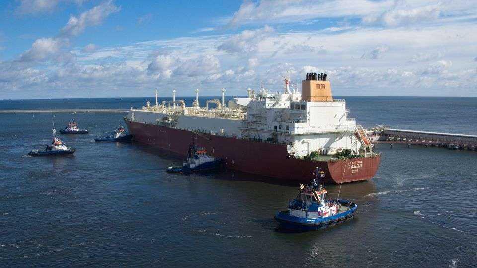 Katarski statek z dostawą LNG w Świnoujściu