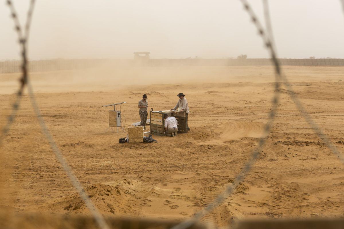 Te urządzenia potrafią zebrać wodę na Saharze