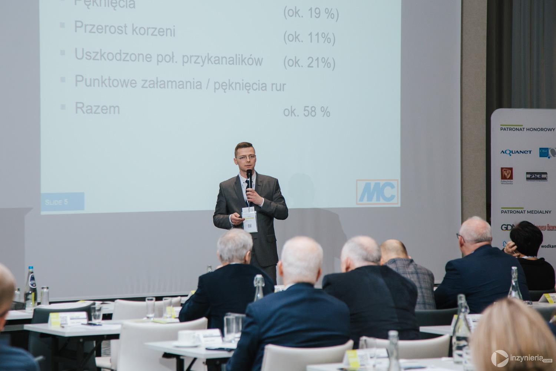 """Adam Gonera, MC-Bauchemie sp. z o.o. IV Konferencja """"Renowacja Wykładzinami (Rękawami) Utwardzanymi na Miejscu"""". Fot. Quality Studio dla www.inzynieria.com"""