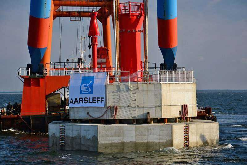 Budowa staw nawigacyjnych na torze podejściowym do LNG