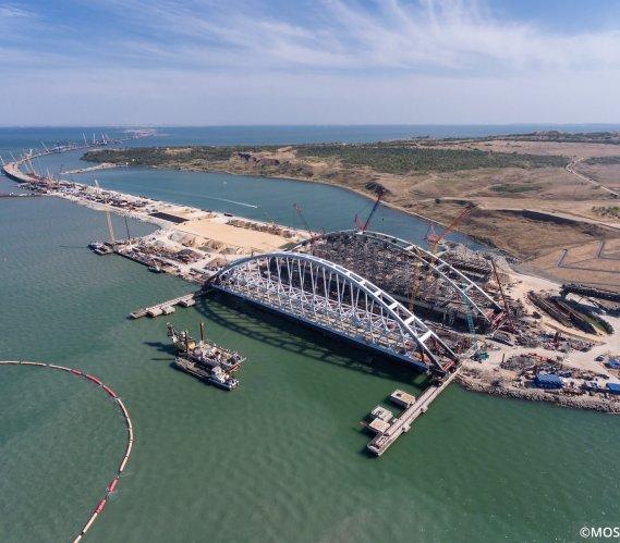 Tak wygląda budowa 19-kilometrowego mostu na Krym