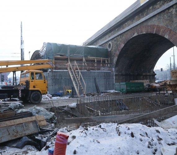 Prace modernizacyjne na linii kolejowej E30 Kraków–Rudzice postępują
