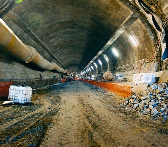 Rok drążenia tunelu w ciągu Zakopianki