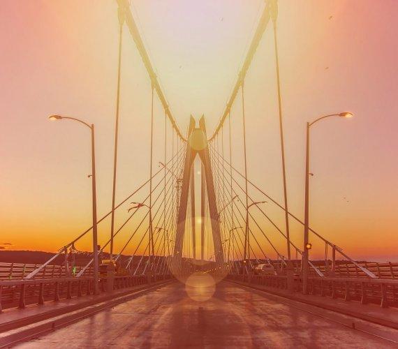 Most w Stambule łączy dwa kontynenty
