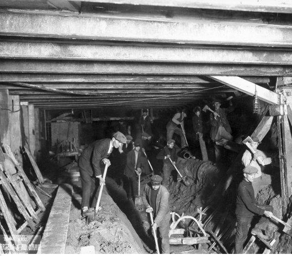 Tunel średnicowy w Warszawie ma 86 lat [ZDJĘCIA ARCHIWALNE]