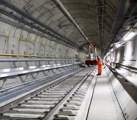 Crossrail: opóźnienie w budowie. Jak wyglądać będą stacje i tunele nowej linii?