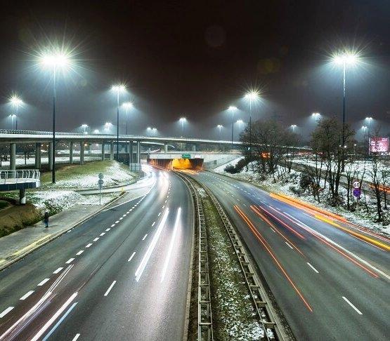 Warszawa: oświetleniowa rewolucja na węźle Wyścigi