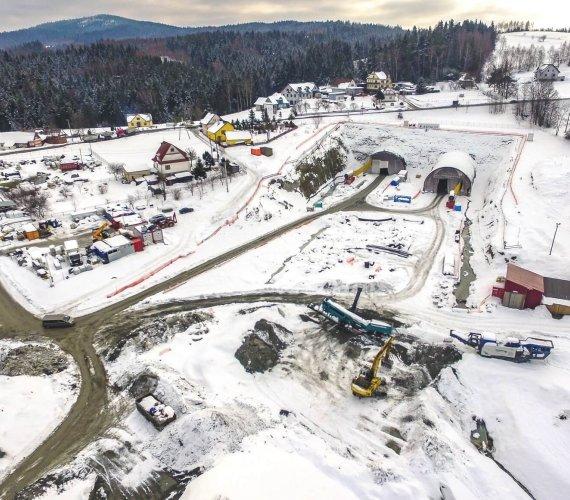 Zakopianka: zima na budowie tunelu