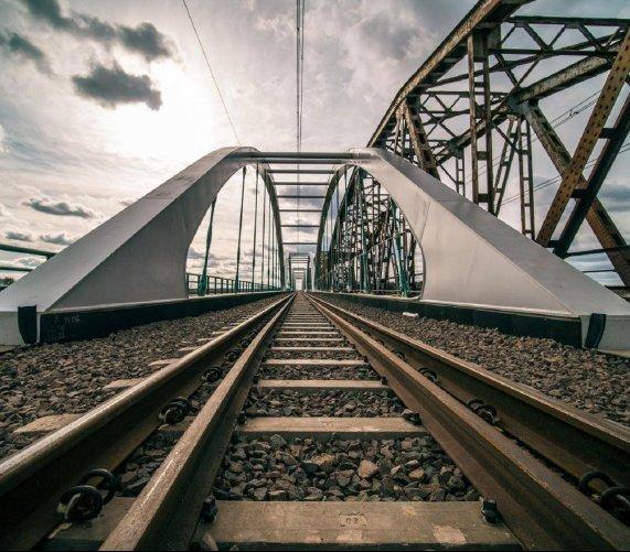 Tak wygląda nowy kolejowy most przez Bug