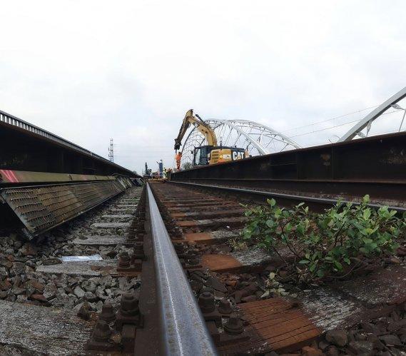 Rozbiórka mostu kolejowego w Krakowie