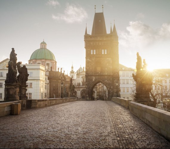 Most Karola w Pradze: jego budowa zaczęła się niemal 665 lat temu