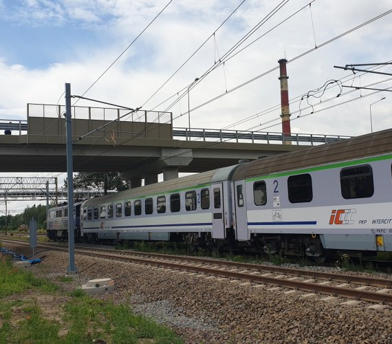 W Lesznie nad linią kolejową Poznań–Wrocław stanął wiadukt drogowy