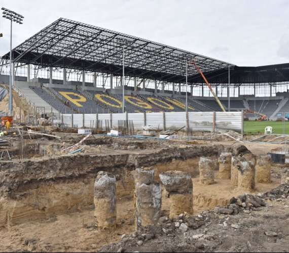 Jak zmienia się stadion w Szczecinie? Budowa trwa