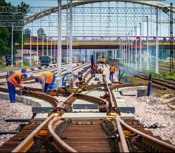 Mosty, wiadukty, przejazdy – wielkie inwestycje w portach Gdańsk i Gdynia