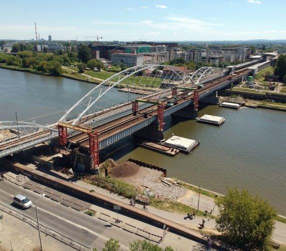 Rozbiórka mostu kolejowego w Krakowie. Gdzie trafią przęsła?
