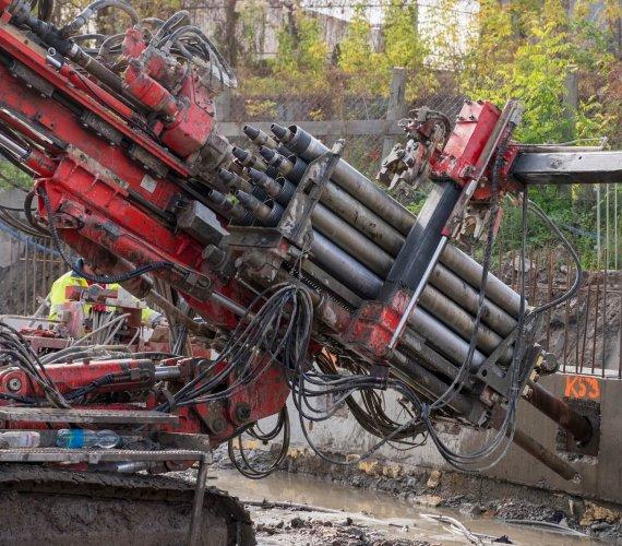 Tunel średnicowy w Łodzi: budowa komór dla TBM