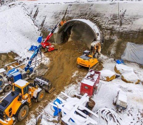 Zimowa budowa dwóch tuneli na drodze S1