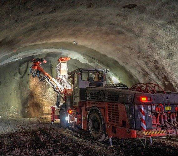 Trwa budowa tunelu w ciągu drogi ekspresowej S3