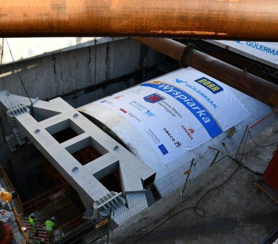 TBM Wyspiarka drąży już tunel pod Świną