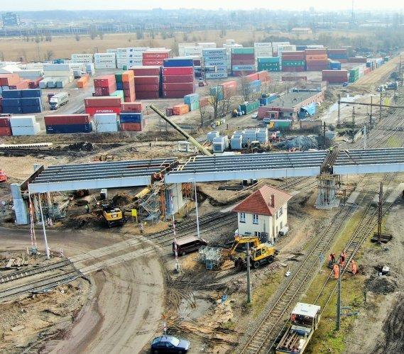 Wiadukt ułatwi transport towarów do gdańskiego portu