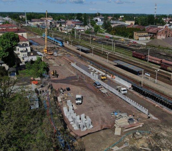Kolejowy węzeł czechowicki – przebudowa prawie na półmetku