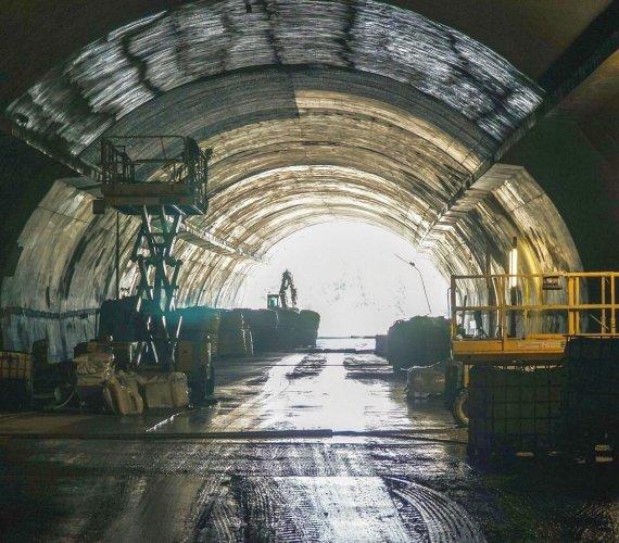 Budowa tunelu pod Małym Luboniem