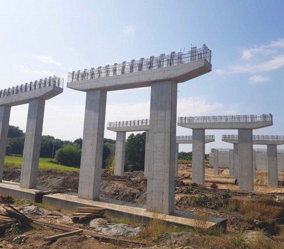 Roboty mostowe na budowie obwodnicy Krakowa