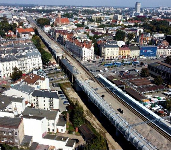Modernizacja linii średnicowej w Krakowie. Co na budowie?