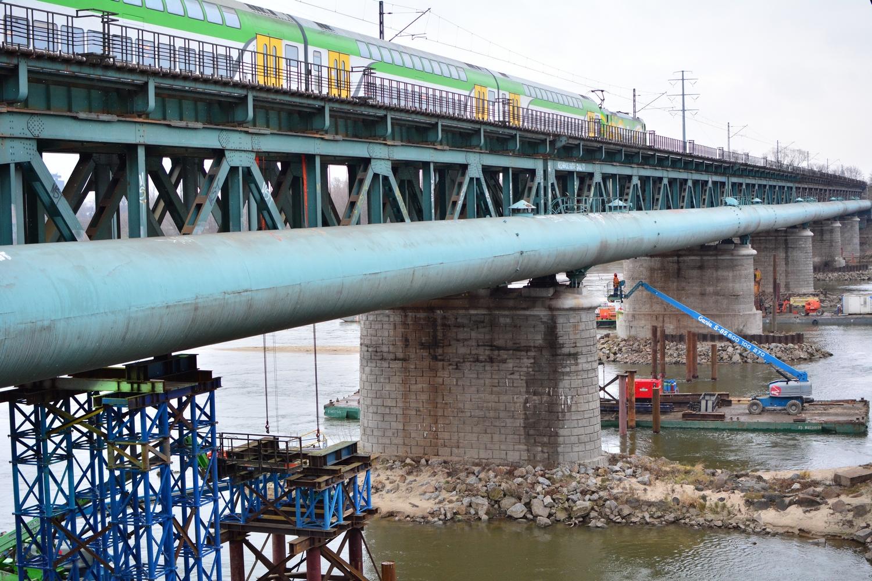 Demontaż przęseł Mostu Gdańskiego w Warszawie. Fot. PKP PLK