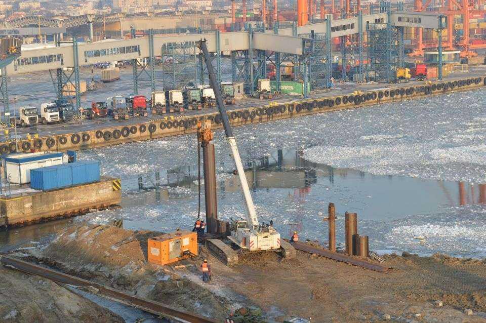 Budowa Nabrzeża Bułgarskiego i Zamykającego w Porcie Gdynia