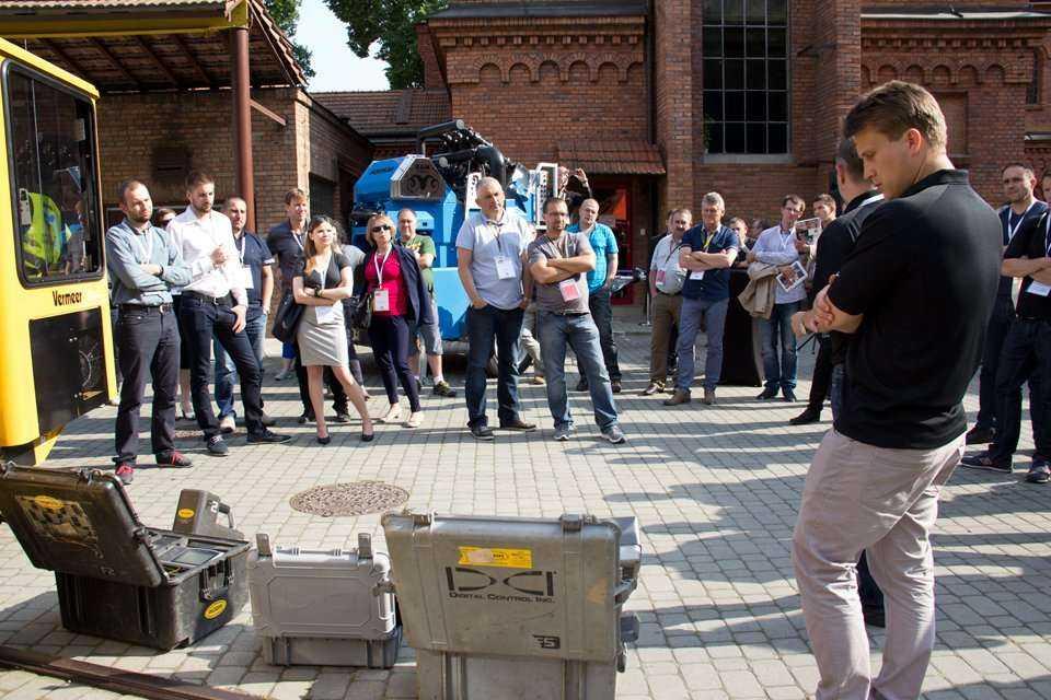 Pokaz firmy BH RUDA Trading International podczas warsztatów / fot. Quality Studio dla www.inzynieria.com