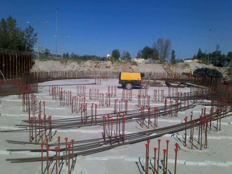 Elektrownia Kozienice: zalewanie fundamentów pod silosy popiołów