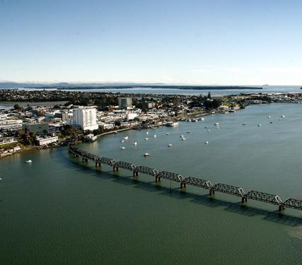 Nowa Zelandia: nowy rurociąg kanalizacji ściekowej pod dnem zatoki
