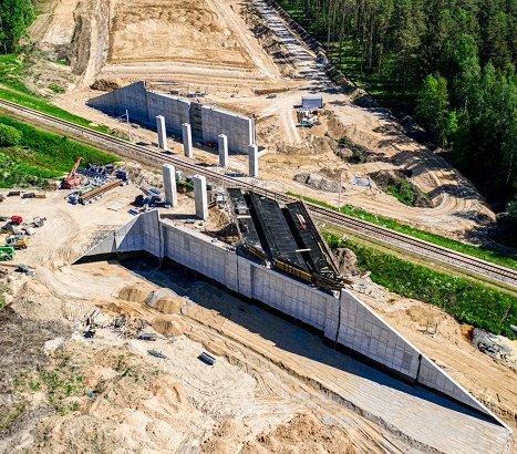 Budowa odcinka drogi S61 z lotu ptaka